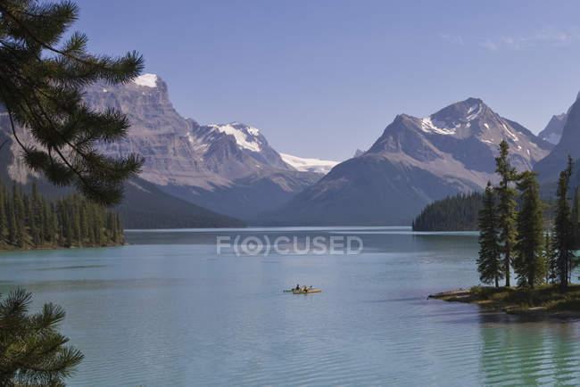Lac Maligne, jasper national park, alberta, canada — Photo de stock