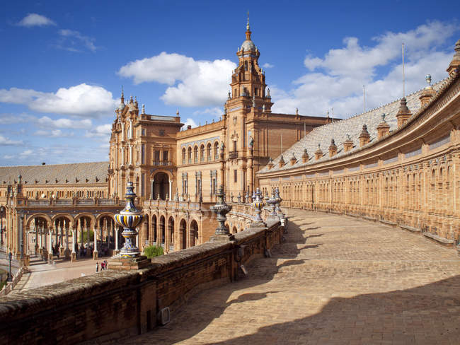Ornate building in Plaza de Espana — Stock Photo