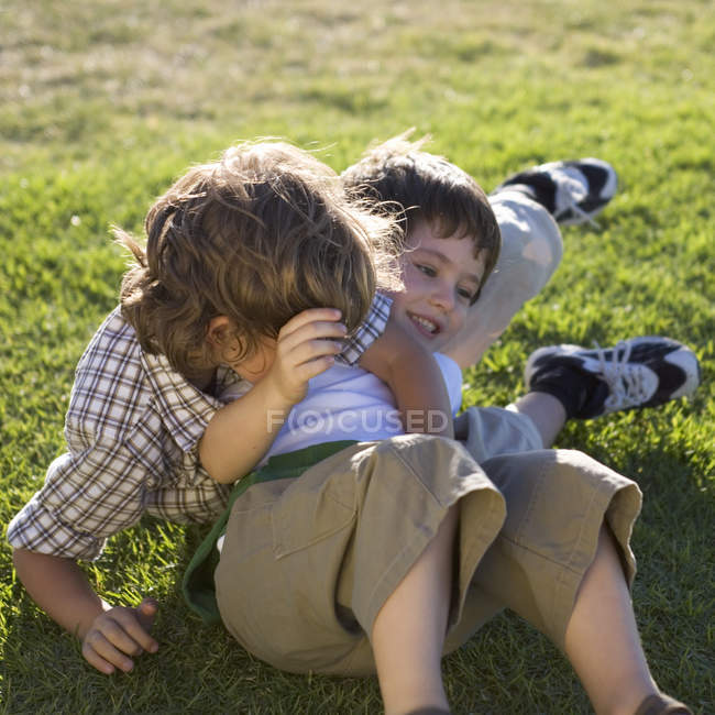 Two young boys playing — Stock Photo