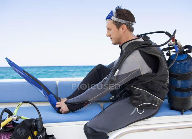 A man about to go scuba diver — Stock Photo