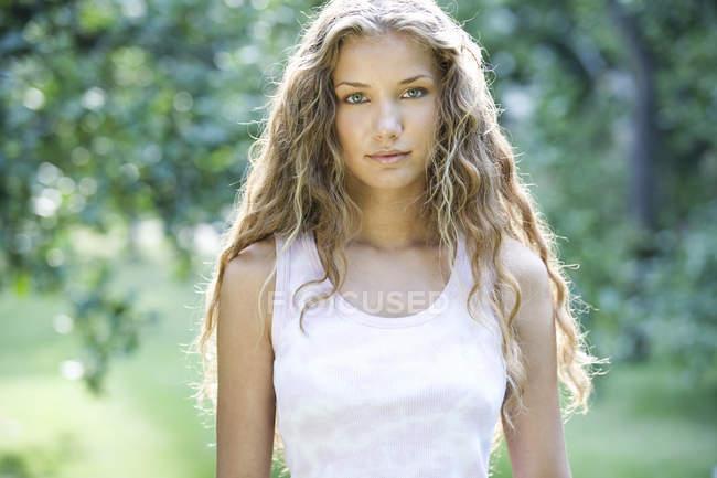 Portrait of a teenage girl — Stock Photo