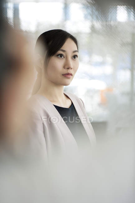 Portrait of asian Businesswoman on the move — Stock Photo