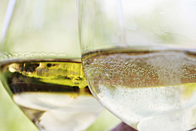 Close up of two Glasses of white wine — Stock Photo