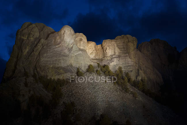 Night view of Mount Rushmore National Memorial, South Dakota, USA — Stock Photo