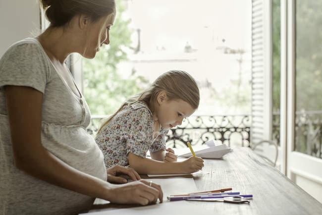 Coloriage mère et fille ensemble — Photo de stock