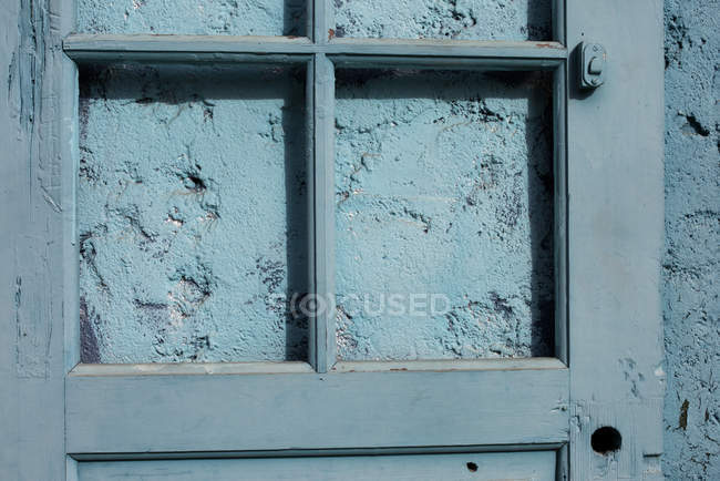 Close up portrait of Painted blaue Tür und Wand — Stockfoto