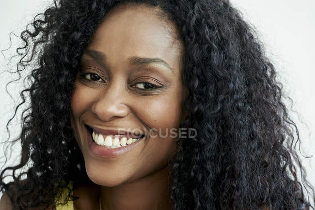 Portrait of smiling  african american Woman — Stock Photo