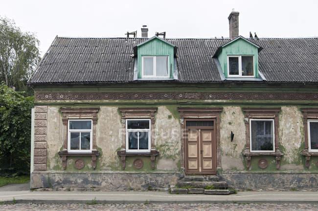 Fachada de casa velha — Fotografia de Stock