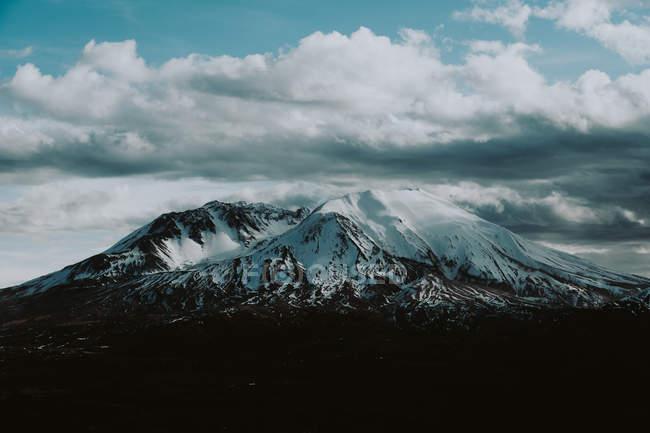 Vista diurna do Monte Santa Helena em Skamania County, Washington, EUA — Fotografia de Stock