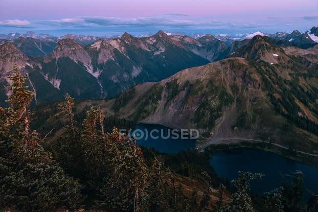Денного зору mountainscape з озерами і дерев, Вінчестер Lookout Mountain, Північна каскадів, Вашингтон — стокове фото
