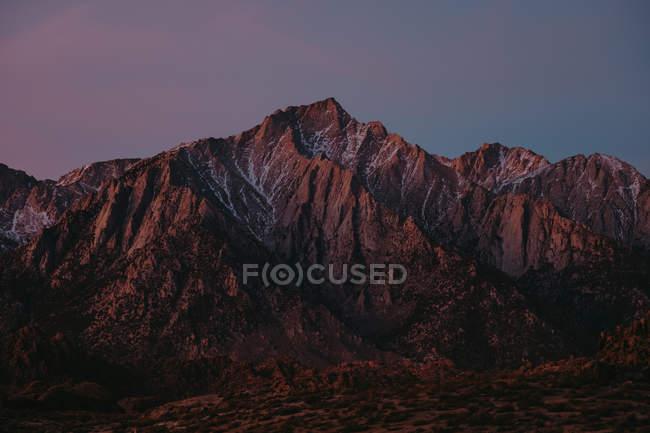 Fernblick über Bergrücken bei Sonnenuntergang, Alabama Hills, Kalifornien, Usa — Stockfoto