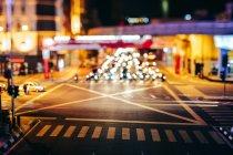Städtische Straße bei Nacht — Stockfoto