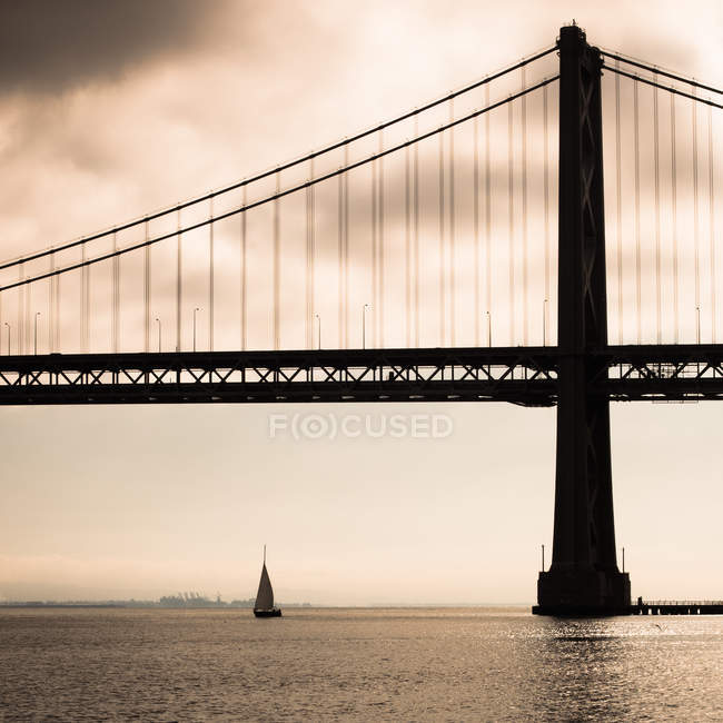 Puente de la bahía, Bahía de San Francisco - foto de stock