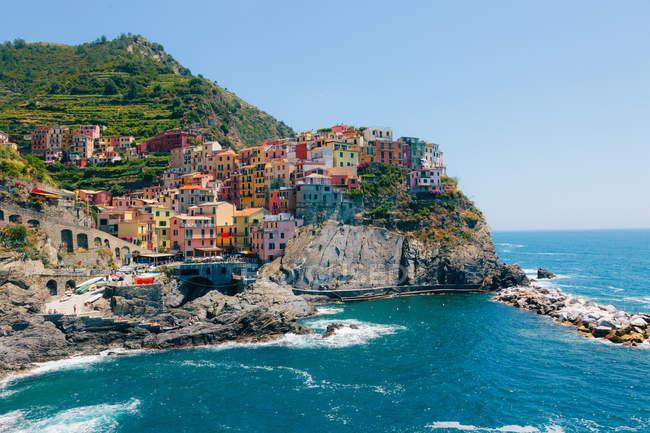 Buildings at Cinque Terre coastline — Stock Photo