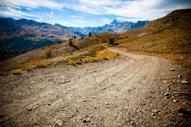 Estrada em Hautes-Alpes, Francia — Fotografia de Stock