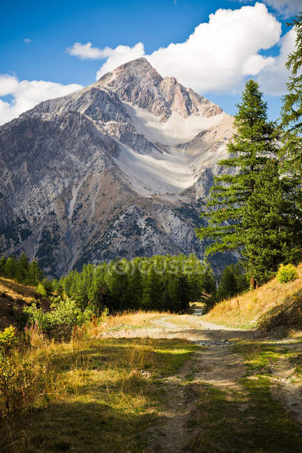 Mountain landscape, Hautes-Alpes — Stock Photo