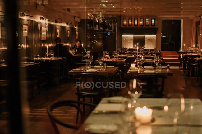Couple having dinner in restaurant — Stock Photo