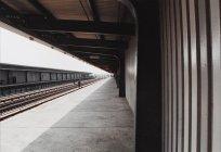 Vista panorámica de una estación de metro - foto de stock