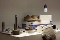Innenraum der Werkstatt des Schuhmachers — Stockfoto