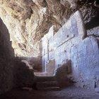 Старовинні печерний житлових приміщень у Тонто Національний парк, штат Арізона. — стокове фото