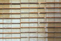Full frame shot of scaffolding in front of building facade — Stock Photo
