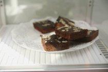 Piatto di biscotti in frigorifero — Foto stock