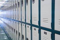 Diminishing shot of school lockers in row — Stock Photo
