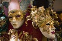 Различные маски карнавал в Венеции — стоковое фото