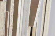 Закрыть текстурированные края фанеры — стоковое фото