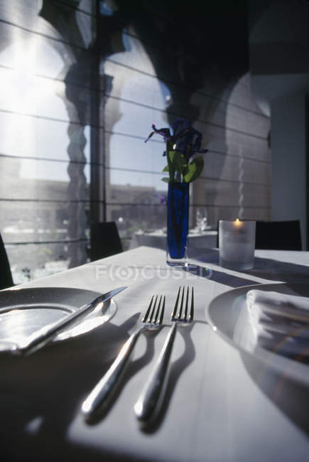 Surface level view of served restaurant table — Stock Photo