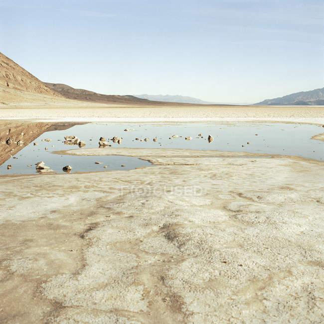 Paesaggio scenico della racchetta alla soleggiata della Valle della morte — Foto stock