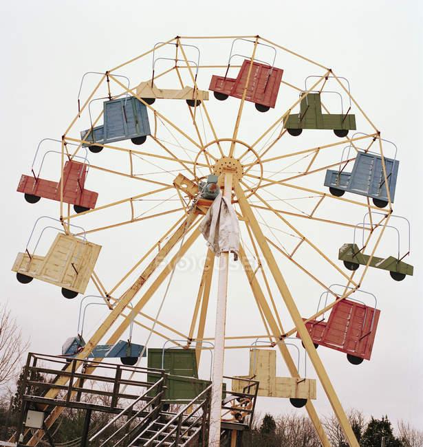 Low angle view of retro ferris wheel — Stock Photo