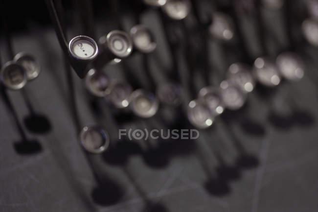 Nahaufnahme der Antike Schreibmaschine Schlüssel — Stockfoto