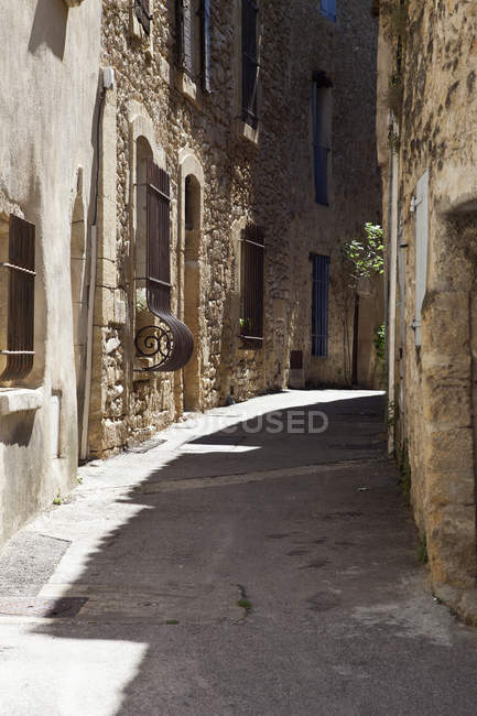 View of old town street passage on sunny day — Stock Photo