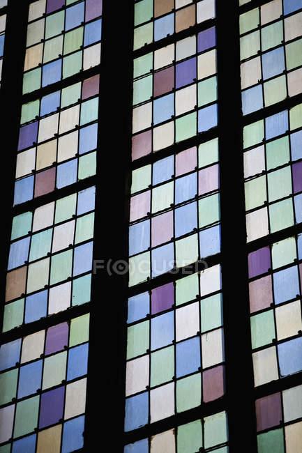Hochwinkelblick der Glasmalerei — Stockfoto