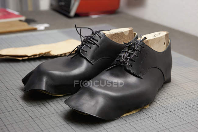 A pair of shoes being made — Stock Photo