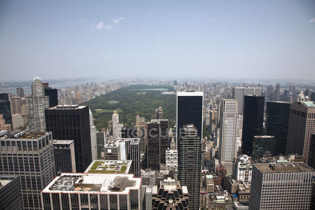 Aerial view over Manhattan skyline and Central Park, New York, USA — Stock Photo