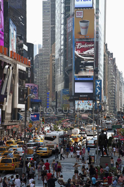 Crowded with people and traffic Times Square in New York, USA — Stock Photo