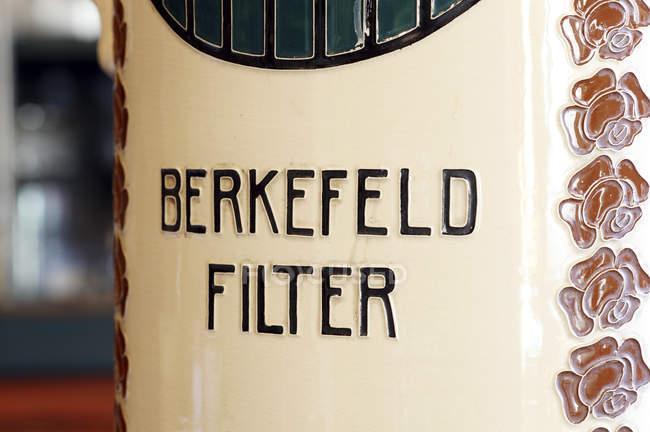Berkefeld filtre, filtre à eau bactériennes utilisée dans les laboratoires de microbiologie — Photo de stock