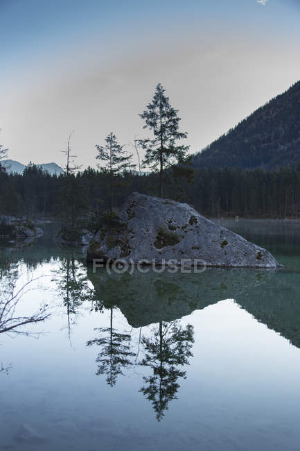 Scenic view of Lake Hintersee against sky — Stock Photo