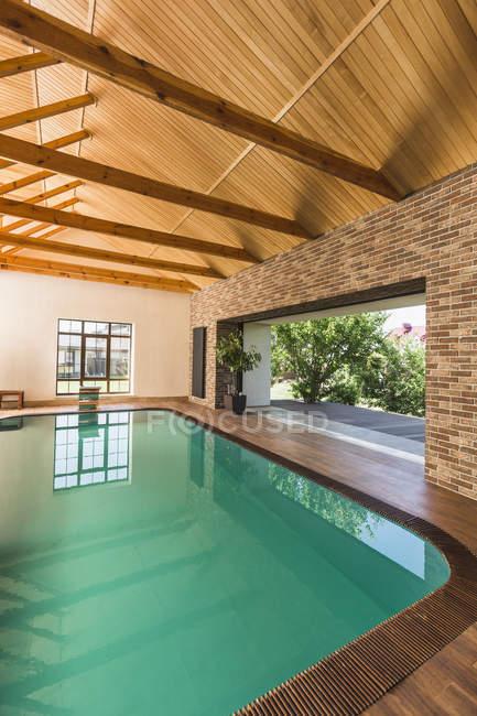 Interior view of empty swimming pool — Stock Photo
