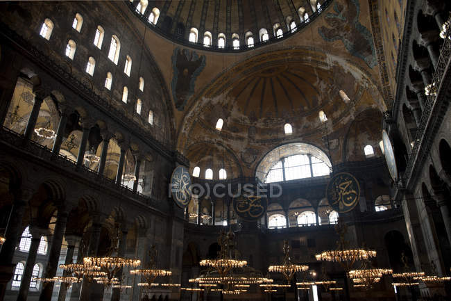 Interior view of ancient mosque ceiling — Stock Photo