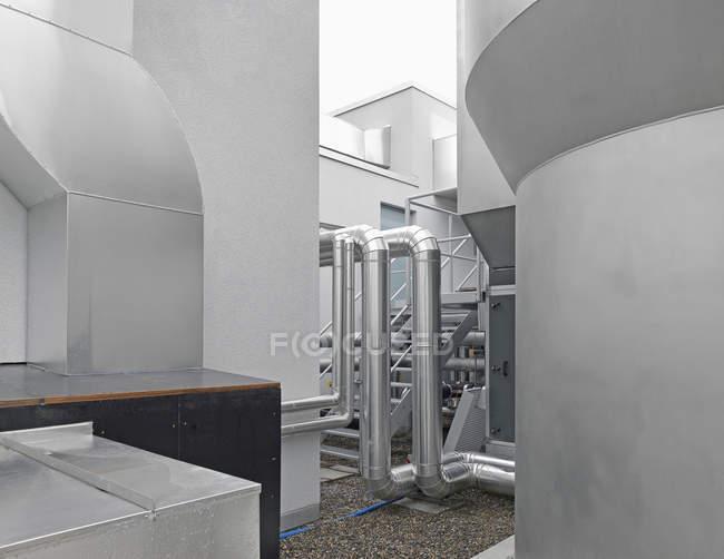 Oleodutos de máquinas na indústria — Fotografia de Stock