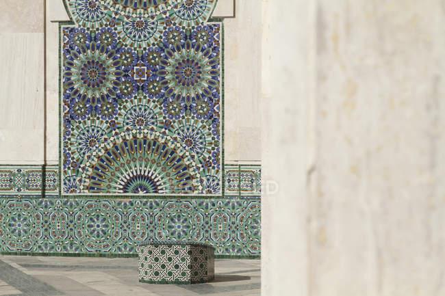 Зовнішні деталі багато прикрашений фасаду мечеть — стокове фото