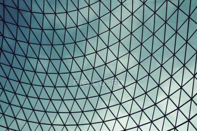 Plan plein cadre du plafond en dôme de verre — Photo de stock