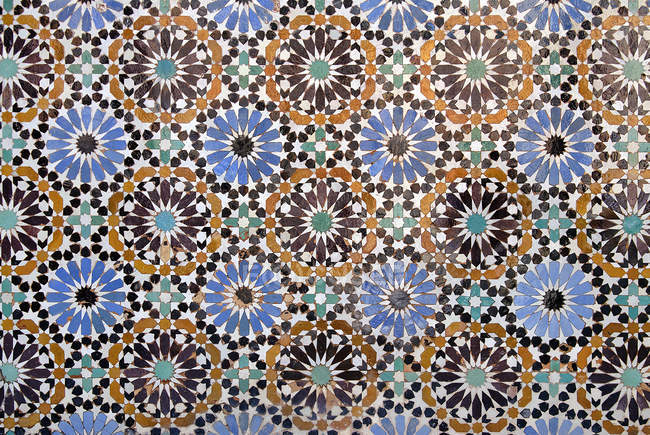 Full frame view of ornate arabic mosaic tiles pattern — Stock Photo