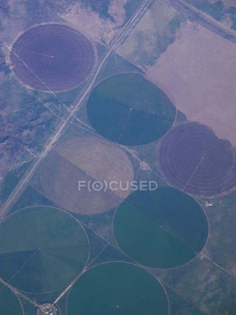 Vista aerea di campi irrigui modellati — Foto stock