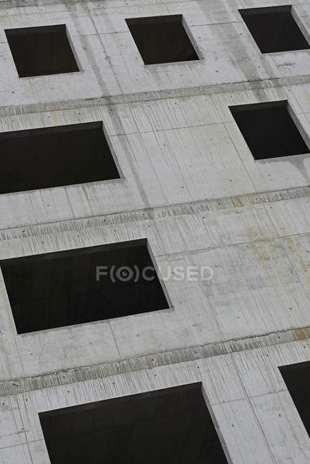Full frame shot of concrete building with windows — Stock Photo