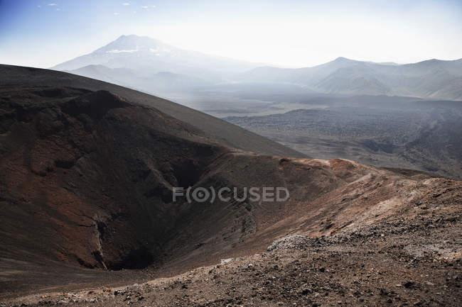 Безтурботний пташиного польоту Lonquimay вулкана краєвид — стокове фото