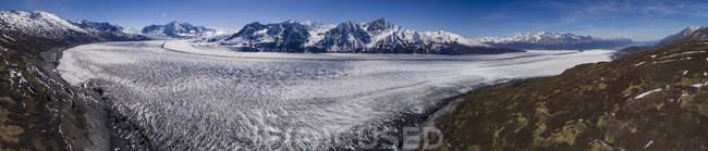 Panoramic view of glacier and mountains during winter, Knik Glacier, Palmer, Alaska, USA — Stock Photo